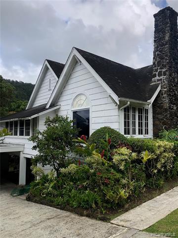 Photo of home for sale at 3434 Niolopua Drive, Honolulu HI