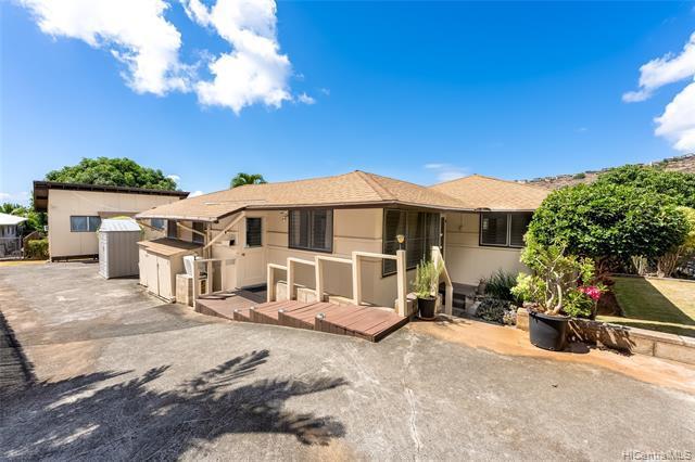 Photo of home for sale at 522 Lawelawe Street, Honolulu HI