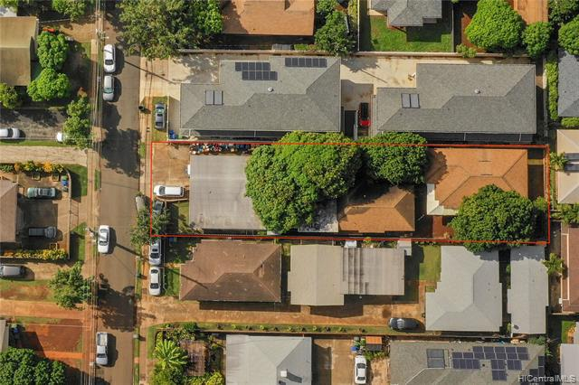 Photo of home for sale at 918 8th Avenue, Honolulu HI
