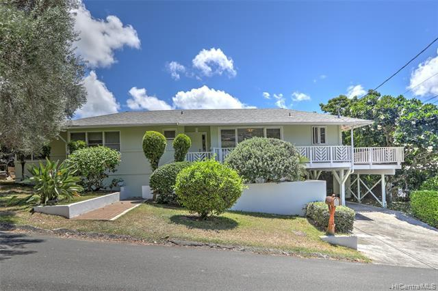 Photo of home for sale at 2033 Makiki Street, Honolulu HI