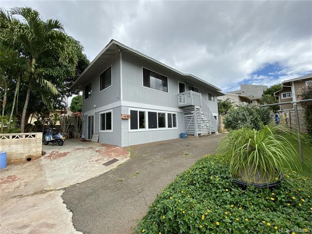 Photo of home for sale at 625 12TH Avenue, Honolulu HI