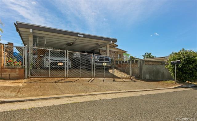 Photo of home for sale at 94-1086 Puloku Street, Waipahu HI