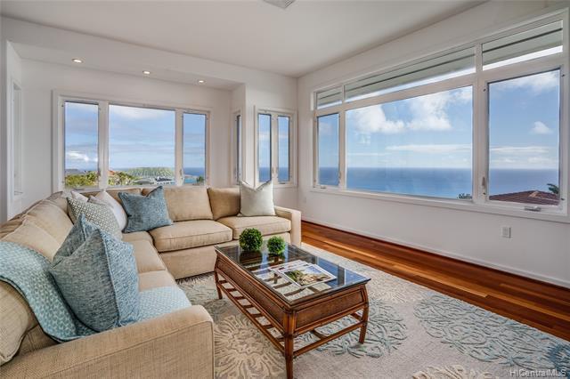 Photo of home for sale at 593 Moaniala Street, Honolulu HI