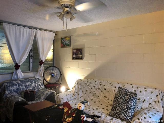 Photo of home for sale at 1519 Kaumualii Street, Honolulu HI