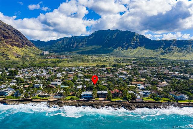 Photo of home for sale at 84-680 Upena Street, Waianae HI