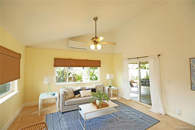 Photo of home for sale at 820 Kaha Place, Kailua HI