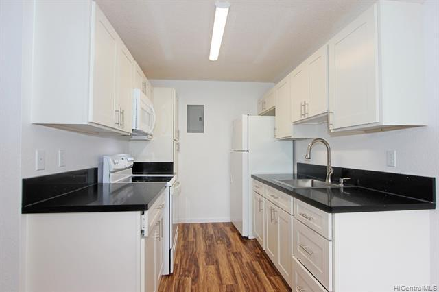 Photo of home for sale at 94-1025 Oli Place, Waipahu HI