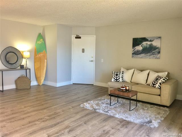Photo of home for sale at 1111 Wilder Avenue, Honolulu HI