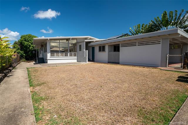 Photo of home for sale at 1310 Ala Mahamoe Street, Honolulu HI