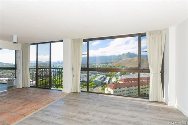 Photo of home for sale at 322 Aoloa Street, Kailua HI