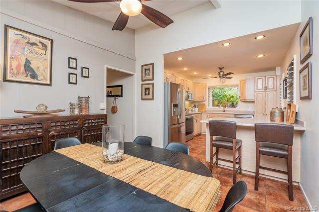 Photo of home for sale at 538 Ilimano Street, Kailua HI