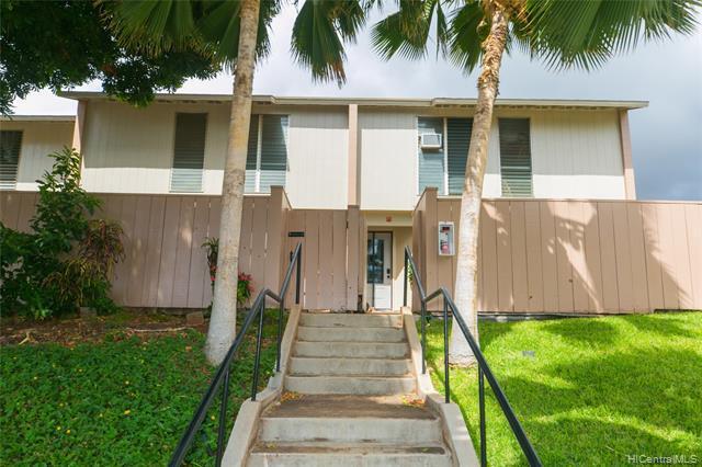 Photo of home for sale at 92-755 Makakilo Drive, Kapolei HI