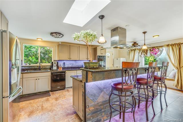 Photo of home for sale at 95-100 Kauamea Place, Mililani HI