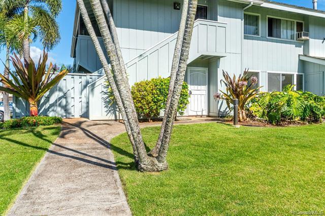 Photo of home for sale at 94-1036 Oli Place, Waipahu HI
