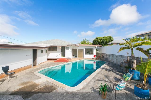 Photo of home for sale at 18 Moe Moe Place, Wahiawa HI