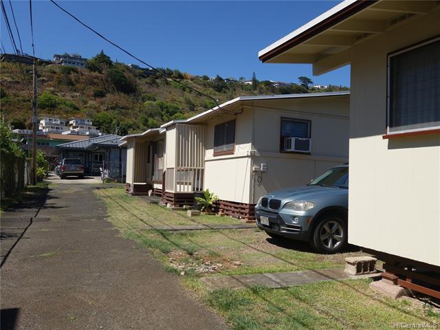 Photo of home for sale at 644 Analu Street, Honolulu HI