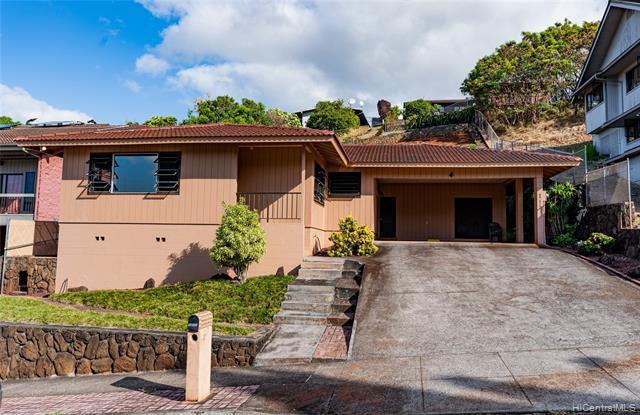 Photo of home for sale at 99-570 Hoio Street, Aiea HI