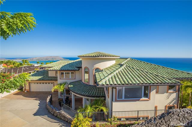 Photo of home for sale at 503 Puuikena Drive, Honolulu HI