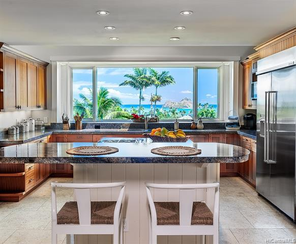 Photo of home for sale at 326 Lanipo Drive, Kailua HI