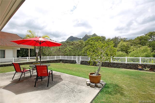 Photo of home for sale at 1646 Paukiki Street, Kailua HI