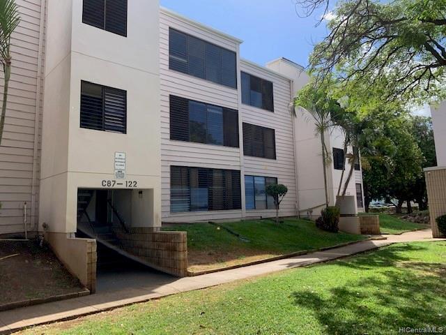 Photo of home for sale at 87-122 Helelua Street, Waianae HI
