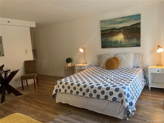 Photo of home for sale at 2450 Prince Edward Street, Honolulu HI