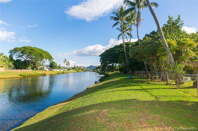 Photo of home for sale at 1269 Kainui Drive, Kailua HI