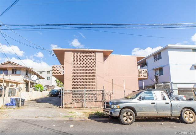Photo of home for sale at 94-322 Pupuole Street, Waipahu HI