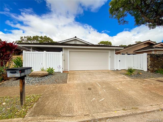 Photo of home for sale at 94-1118 Kepakepa Street, Waipahu HI