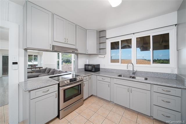 Photo of home for sale at 85-208 Lualualei Homestead Road, Waianae HI