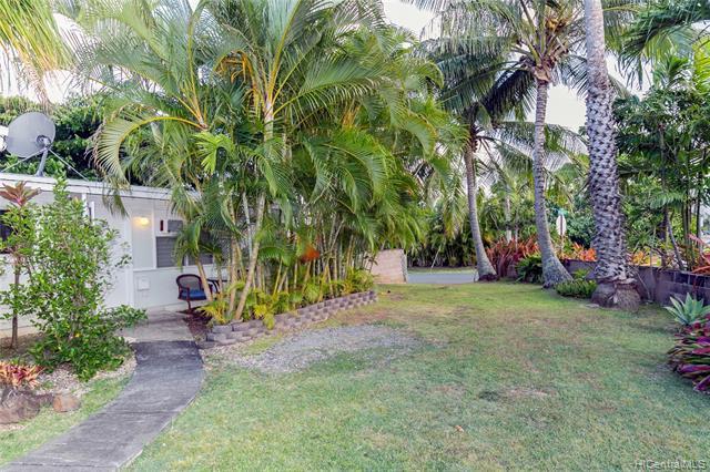 Photo of home for sale at 936 Mokapu Boulevard, Kailua HI