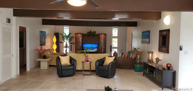 Photo of home for sale at 361 Kalaheo Avenue N, Kailua HI