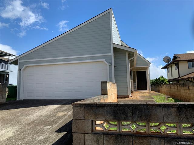 Photo of home for sale at 94-537 Poloahilani Street, Mililani HI