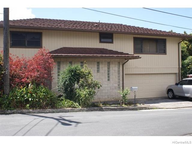 Photo of home for sale at 2911 Kaamalio Drive, Honolulu HI