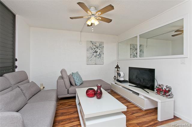 Photo of home for sale at 1660 Kalakaua Avenue, Honolulu HI