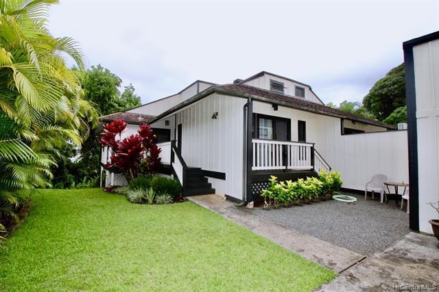 Photo of home for sale at 46-290 Nahewai Street, Kaneohe HI