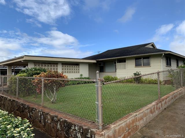Photo of home for sale at 1099 Maiha Circle, Pearl City HI