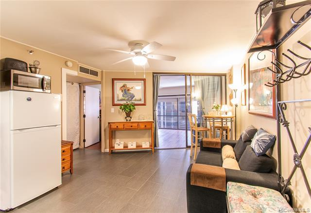 Photo of home for sale at 1088 Bishop Street, Honolulu HI