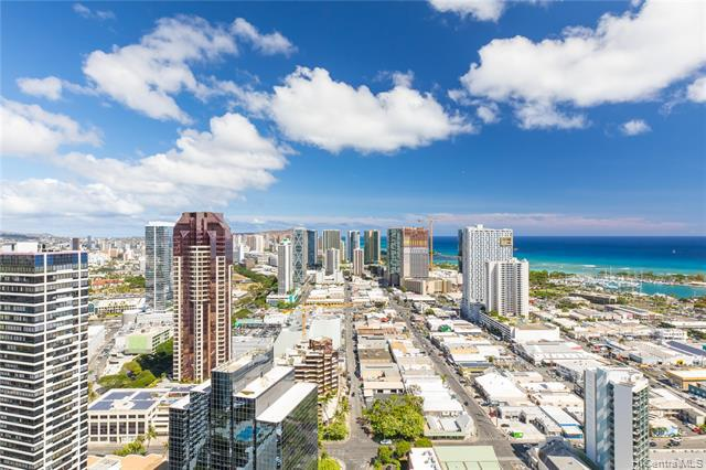 Photo of home for sale at 600 Queen Street, Honolulu HI