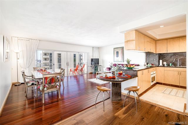 Photo of home for sale at 999 Wilder Avenue, Honolulu HI