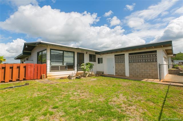 Photo of home for sale at 99-354 Kulawea Place, Aiea HI