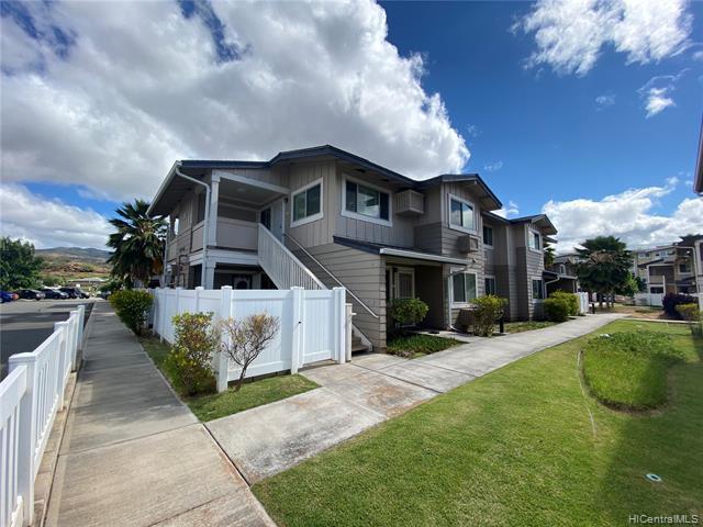 Photo of home for sale at 91-1039 Kamaaha Avenue, Kapolei HI