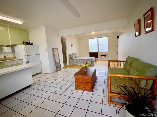 Photo of home for sale at 1469 Lusitana Street, Honolulu HI