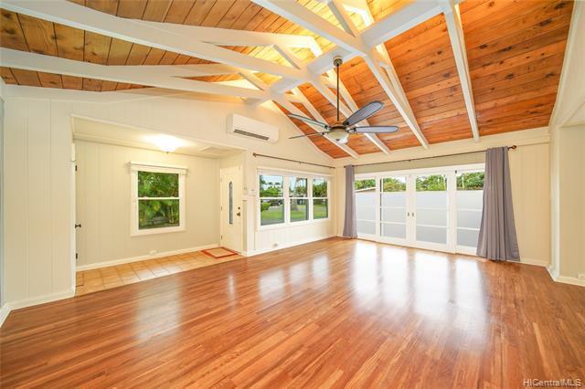 Photo of home for sale at 731 Nunu Street, Kailua HI