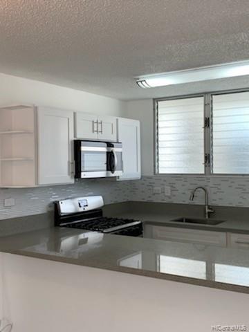 Photo of home for sale at 1122 Kinau Street, Honolulu HI