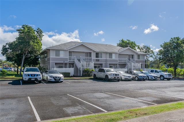 Photo of home for sale at 95-1053 Kaapeha Street, Mililani HI