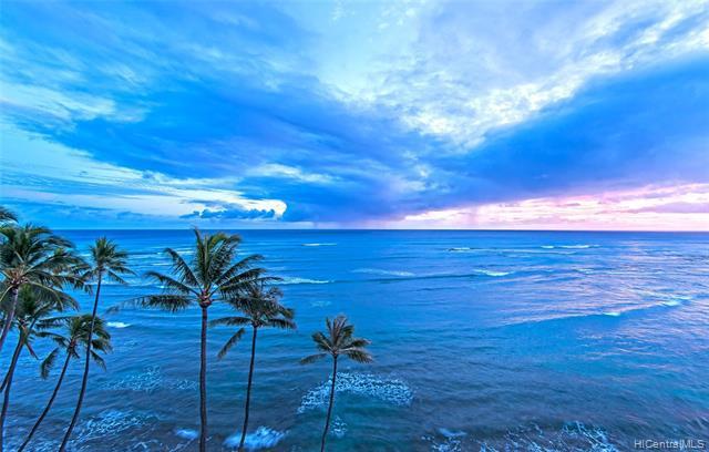 Photo of home for sale at 2969 Kalakaua Avenue, Honolulu HI