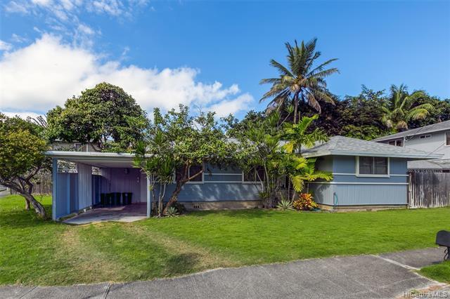 Photo of home for sale at 630 Wailepo Street, Kailua HI