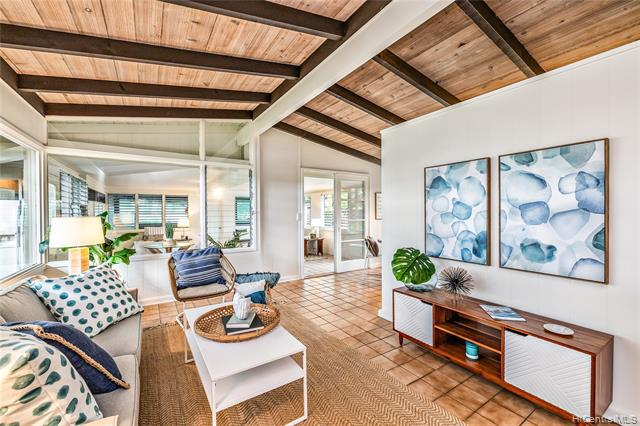 Photo of home for sale at 210 Kalama Street, Kailua HI