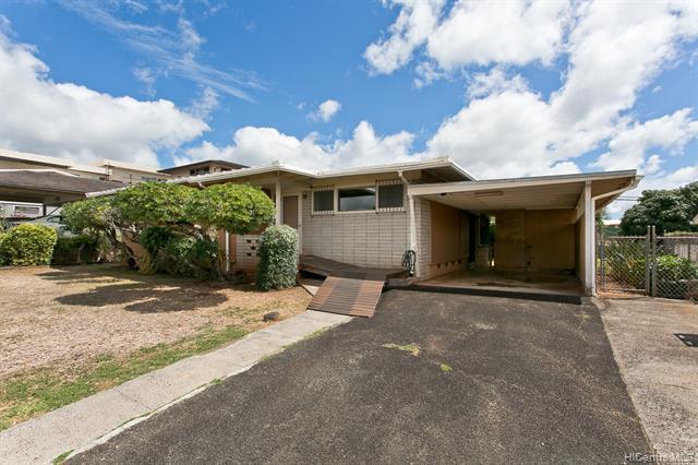 Photo of home for sale at 99-715 Kealaluina Drive, Aiea HI